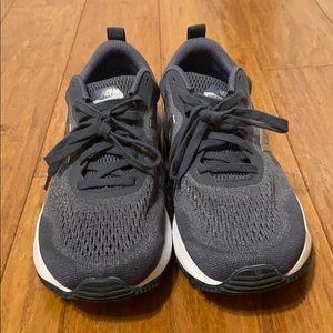New Balance Arishi Sneaker